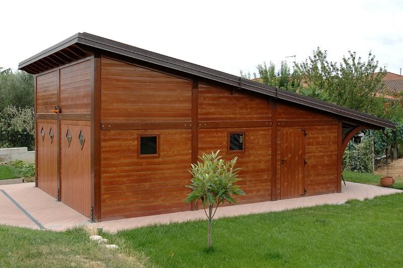 garage in legno per auto piemonte : Box auto in legno a Lucca e Toscana - La Pergola S.r.l.
