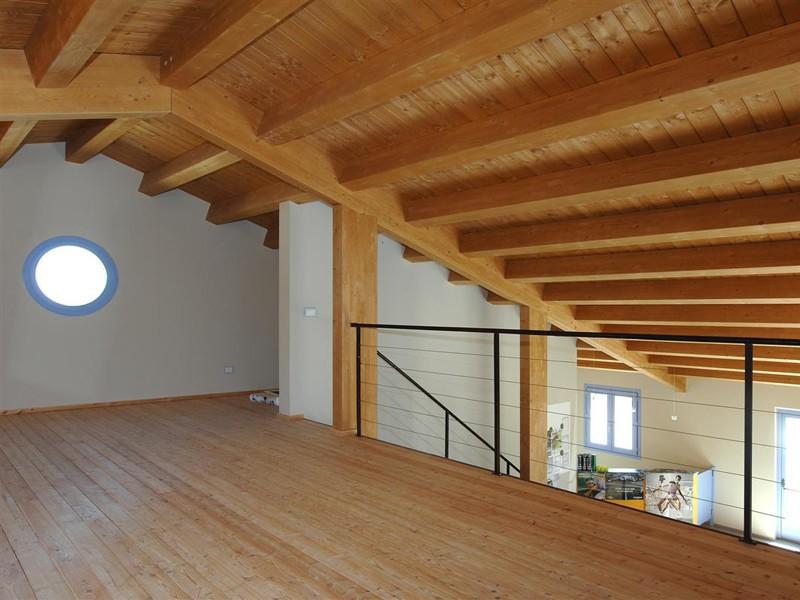 Case in legno da 100 150 mq a lucca e toscana la pergola s r l - Tetto in legno bianco ...