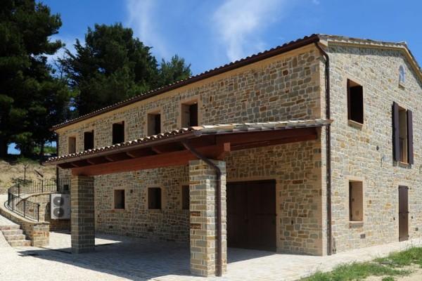 Portici in legno a lucca e toscana la pergola s r l for Casa con avvolgente portico in vendita