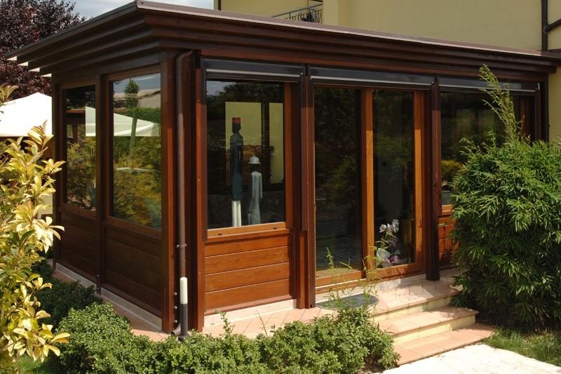 Veranda chiusa in legno pannelli termoisolanti - Ampliare casa con struttura in legno ...